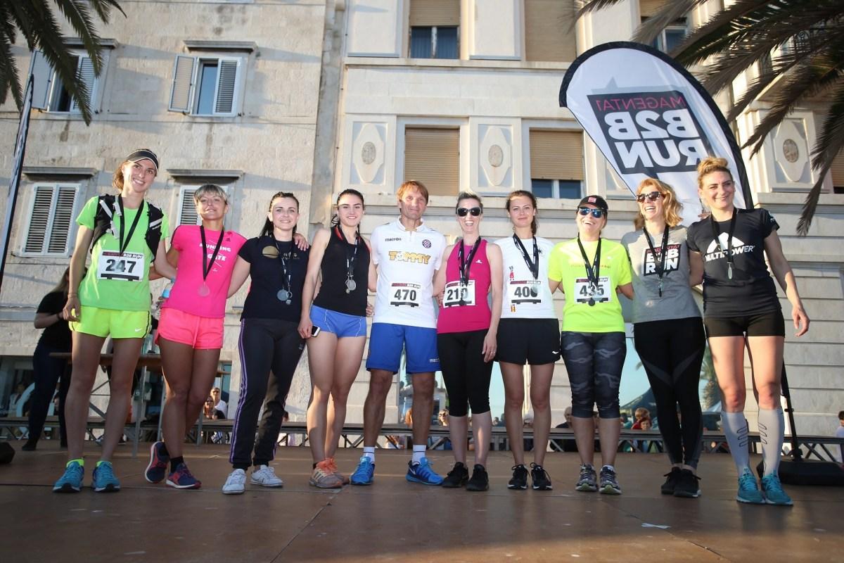 18.05.2017.,Split- Ovogodisnja utrka b2b RUN okupila je preko 400 sudionika koji su se natjecali u idealnim vremenskim uvjetima. Dodjela nagrada na zavrsetku natjecanja.Photo: Ivo Cagalj/PIXSELL