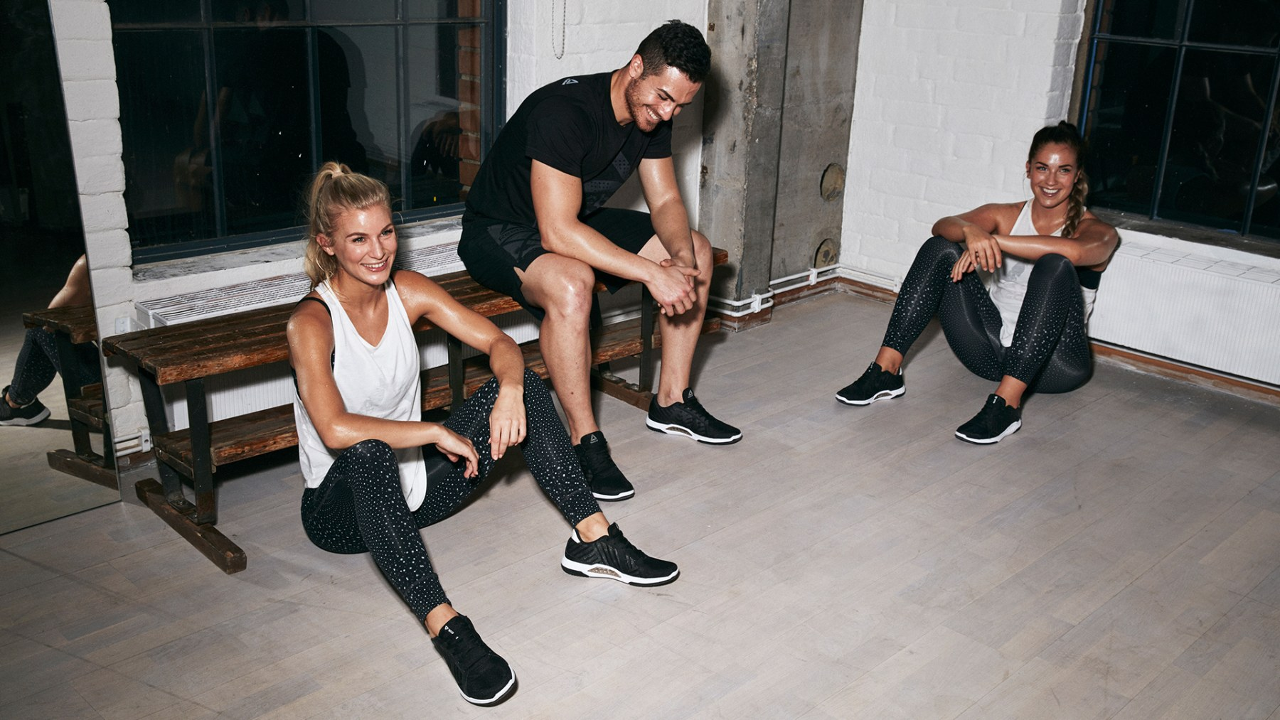 Reebok_FW17_Visual_Social_Group_Black